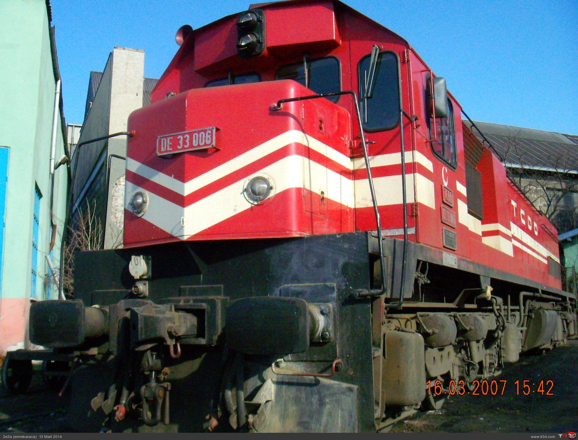 DE 33000 Lokomotif 3