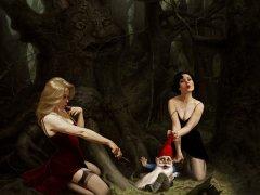 Orman cücesi ve Kızlar